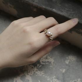 春分新生-盛開雙葉環抱珍珠戒指