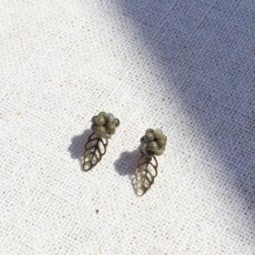 輕旅行-欖仁樹樹菓耳環(花綠色)